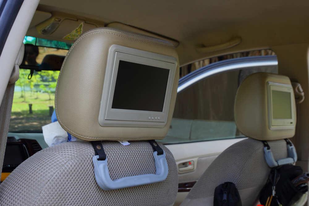 Dispositivos electrónicos en los coches ¿legales?